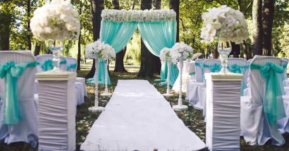 Method to decorate a wedding with tulle